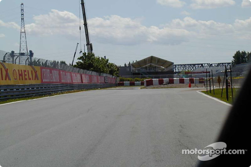 Pit entry chicane