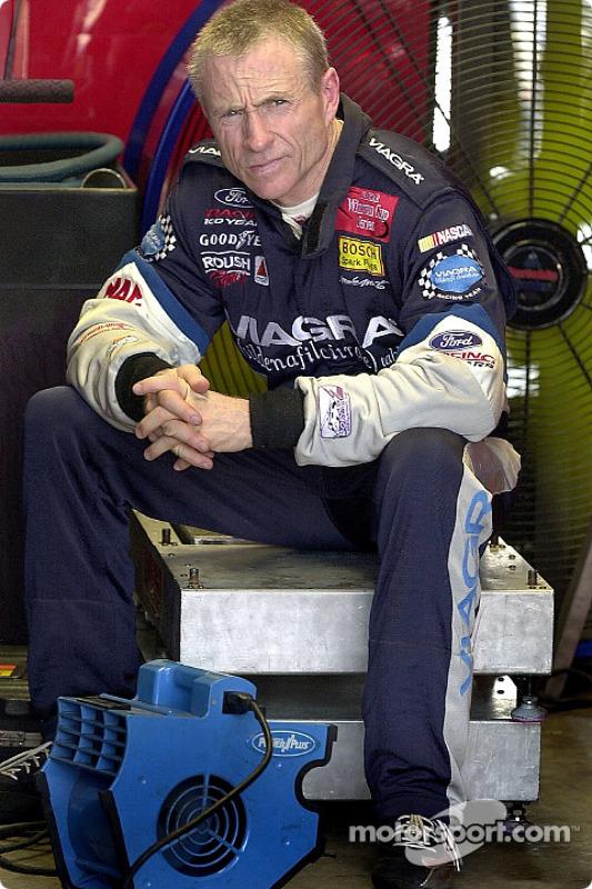 Mark Martin obtient sa deuxième pole position de la saison à Richmond