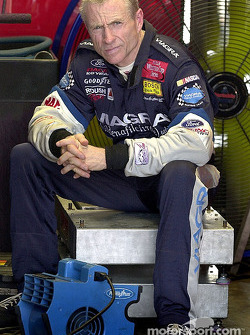 Mark Martin scored his second pole position for the season at Richmond