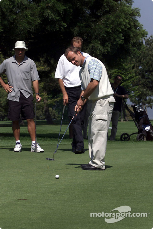 Barrichello et Ronaldo jouent au golf à Monte-Carlo