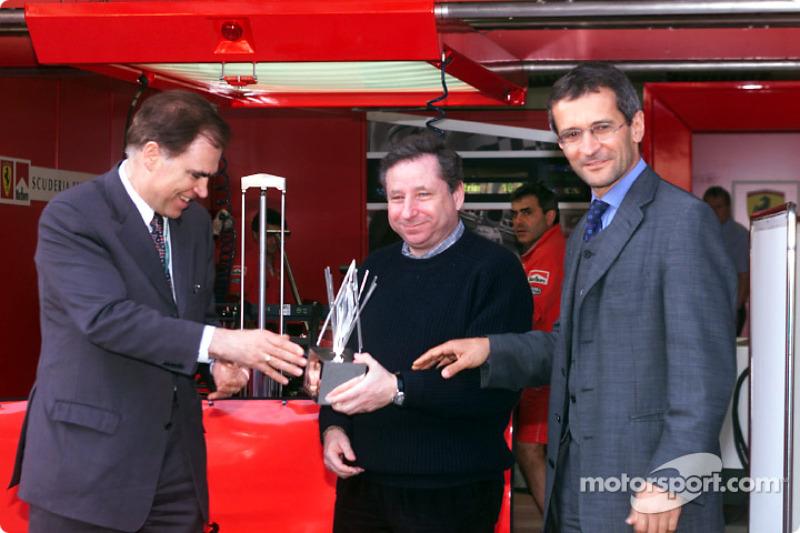 Todt receives the Technology Oscar