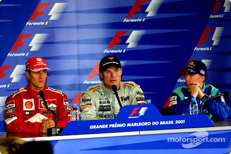 Le trio de tête en conférence de presse