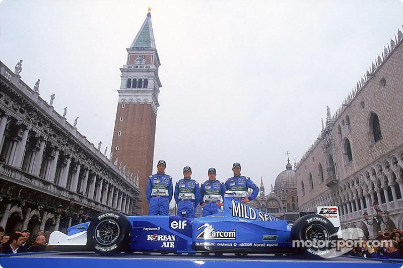 Jenson Button, Giancarlo Fisichella, Fernando Alonso et Mark Webber lors de la présentation
