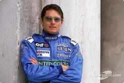 Giancarlo Fisichella en el lanzamiento del B201