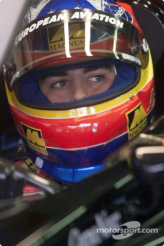 Casco de Fernando Alonso en 2001