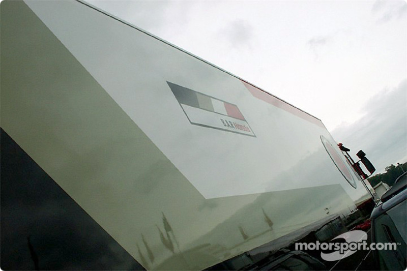 BAR transporter in the Brands Hatch paddock