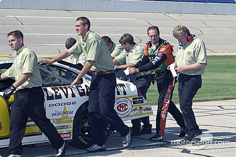 Stacy Compton and the Melling Racing crew