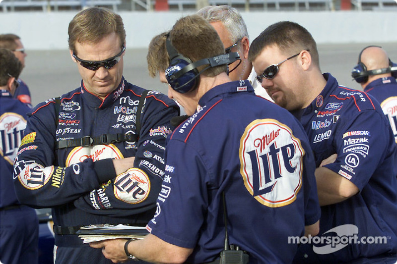 Rusty Wallace and the Penske South crew