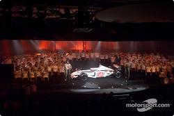 Lanzamiento del BAR Honda 004