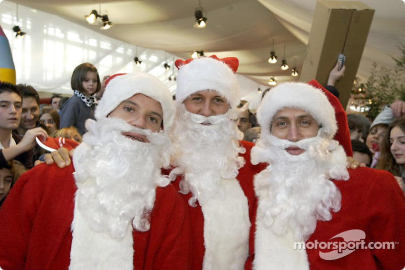 Традиційний різдвяний захід Ferrari: Рубенс Баррікелло, Міхаель Шумахер, Лука Бадоер