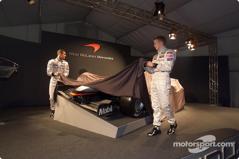 David Coulthard and Kimi Raikkonen unveiling the new McLaren Mercedes MP4-17