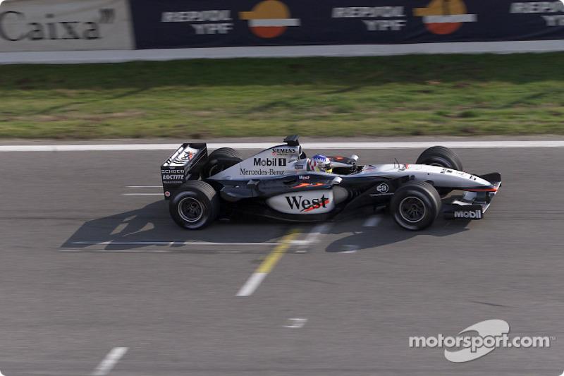 McLaren MP4-17 (2002)