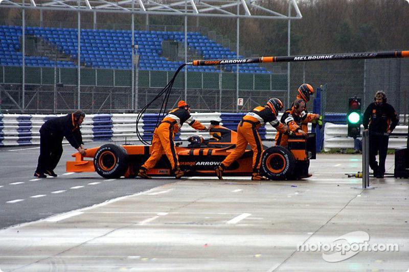 Heinz-Harald Frentzen in the pits