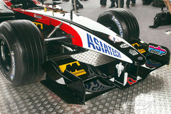 The new Minardi Asiatech PS02: front end