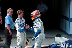 Ralf Schumacher congratulated by Juan Pablo Montoya