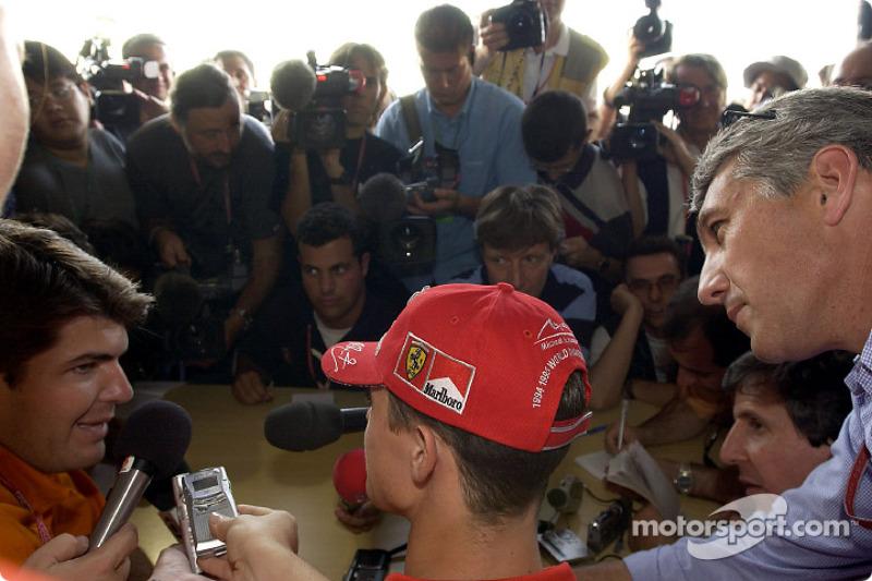 Hora de entrevista para Michael Schumacher