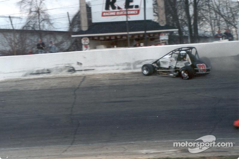Spin Turn 3, sprint car