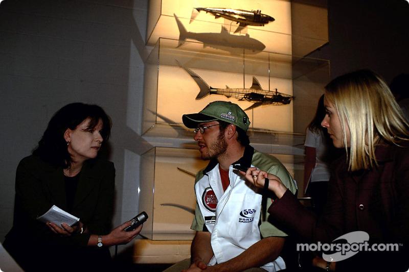 Julian Opie réunit l'art et la Formule 1 : Jacques Villeneuve