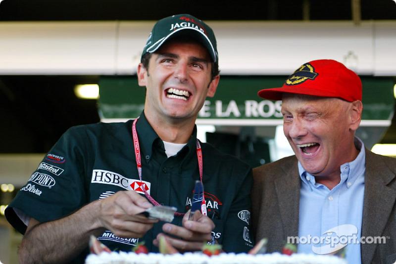 Presentación del pastel de Jaguar Racing: Pedro de la Rosa y Niki Lauda