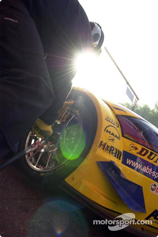 Práctica de parada de pits en Abt Sportsline