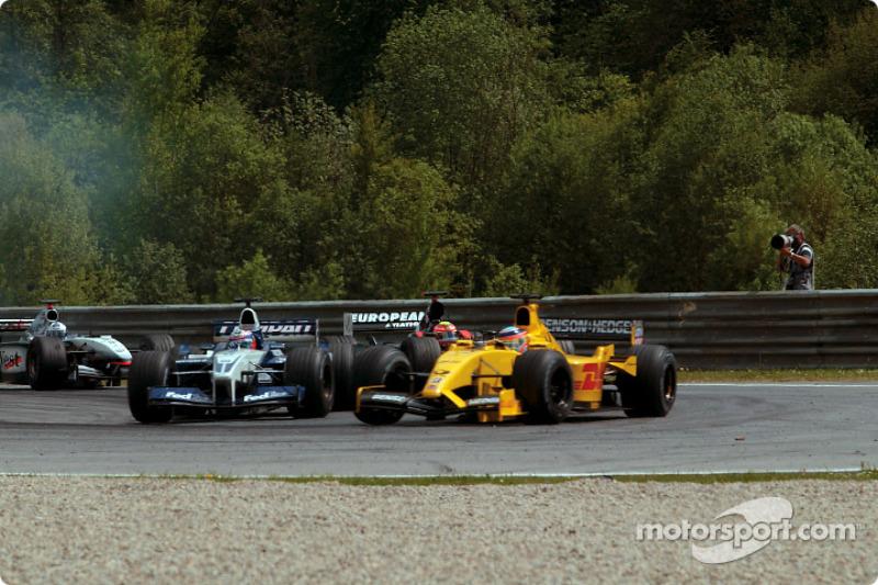 Juan Pablo Montoya and Takuma Sato, seconds before the Sato/Heidfeld accident
