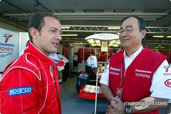 Cristiano da Matta y el Dr Kazuo Takeuchi