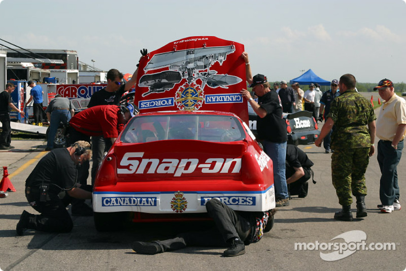Working on the Snap-on.com Chevrolet Monte Carlo