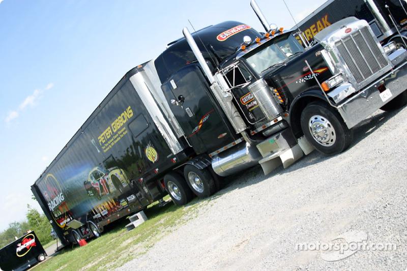 Team Canadian Tire transporter