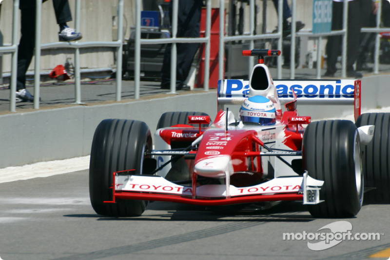 Mika Salo going out on the track