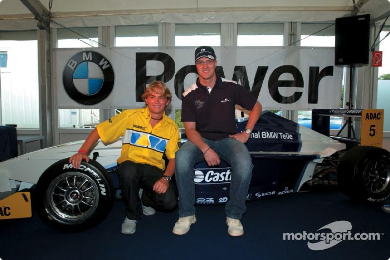 2002: Debut en monoplazas en la Fórmula BMW ADAC
