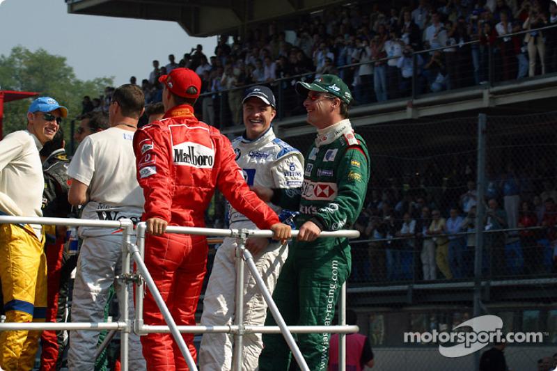 Drivers' parade: Ralf Schumacher and Eddie Irvine