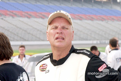 Joe Ruttman checks the pylon