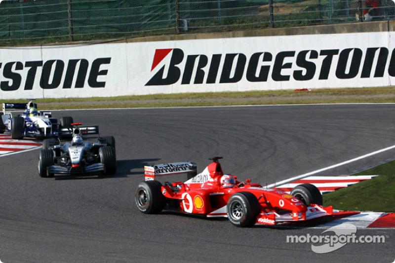 Rubens Barrichello leads David Coulthard
