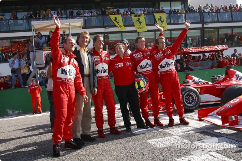 Rubens Barrichello, Luca di Montezemelo, Michael Schumacher, Jean Todt, Luciano Burti and Luca Badoe
