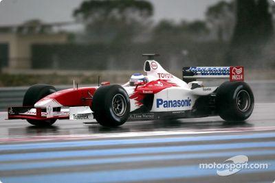 Lanzamiento del Toyota Racing TF103