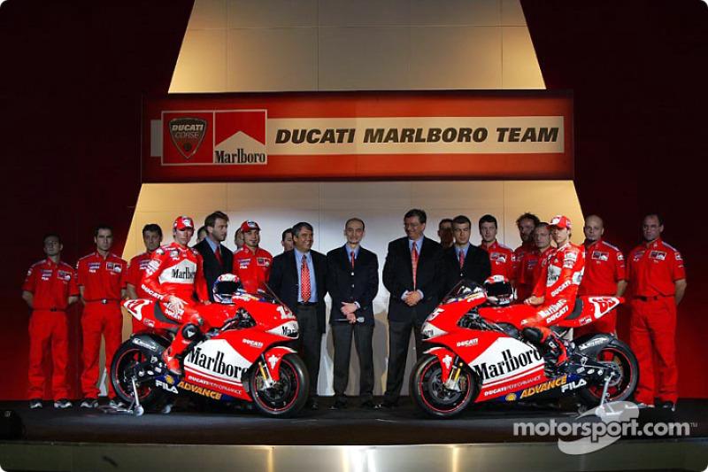 Ducati Desmosedici 2003 - Troy Bayliss ve Loris Capirossi