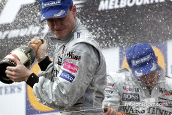 Podium: Champagner für David Coulthard