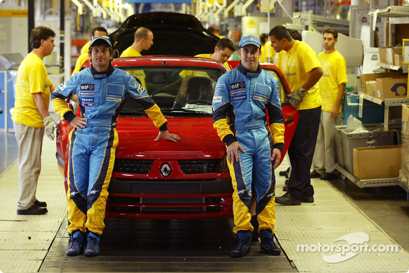 Visit of the Ayrton Senna Renault Factory in Curitiba: Jarno Trulli and Fernando Alonso