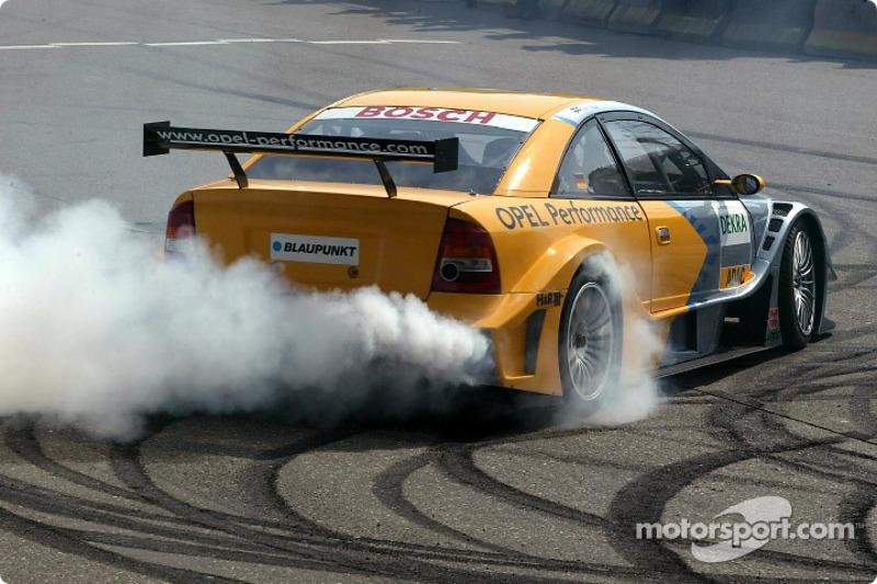 Smoke show for Joachim Winkelhock