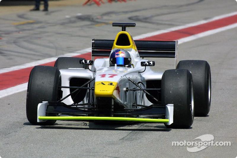 "2001-2003 (годы в программе Red Bull): <img src=""https://cdn-4.motorsport.com/static/img/cfp/0/0/0/0/14/s3/austria-2.jpg"" alt="""" width=""20"" height=""12"" />Патрик Фризахер"