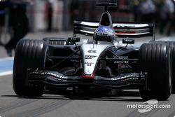 Alexander Wurz teste la McLaren Mercedes MP4-18