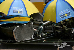 Renault under umbrella