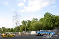 #72 Luc Alphand Aventures Ferrari 550 Maranello: Luc Alphand, Frédéric Dor, Jérôme Policand, #78 PK Sport LTD Porsche 911 GT3 RS: Robin Liddell, David Warnock, Piers Masarati
