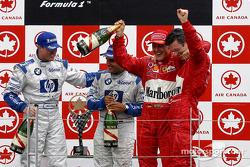 Podium: ganador de la carrera Michael Schumacher y el segundo lugar Ralf Schumacher y tercer lugar Juan Pablo Montoya