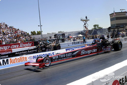 Doug Herbert and David Baca launch in Sunday's round 1 elimination