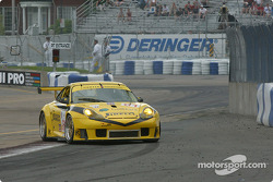 #61 P.K. Sport Porsche 911 GT3 RS: Vic Rice, John Graham spins