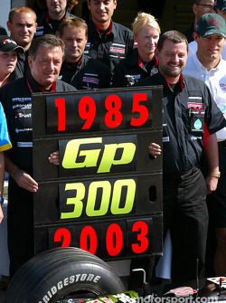 Giancarlo Minardi, Paul Stoddart, former drivers and Minardi team members celebrate Team Minardi 300th Grand Prix
