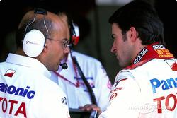 RiCardo Zonta ve Toyota takım elemanı