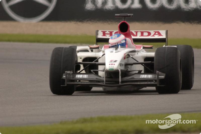 2003 - BAR 005: nono lugar no Mundial de Pilotos, com 17 pontos