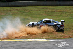 #52 Seikel Motorsport Porsche 911 GT3 RS: Tony Burgess, Philip Collin, Andrew Bagnall spins